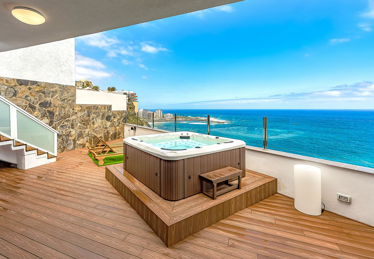 House in Puerto de la Cruz - Casa La Costa - Jacuzzi & Ocean Views