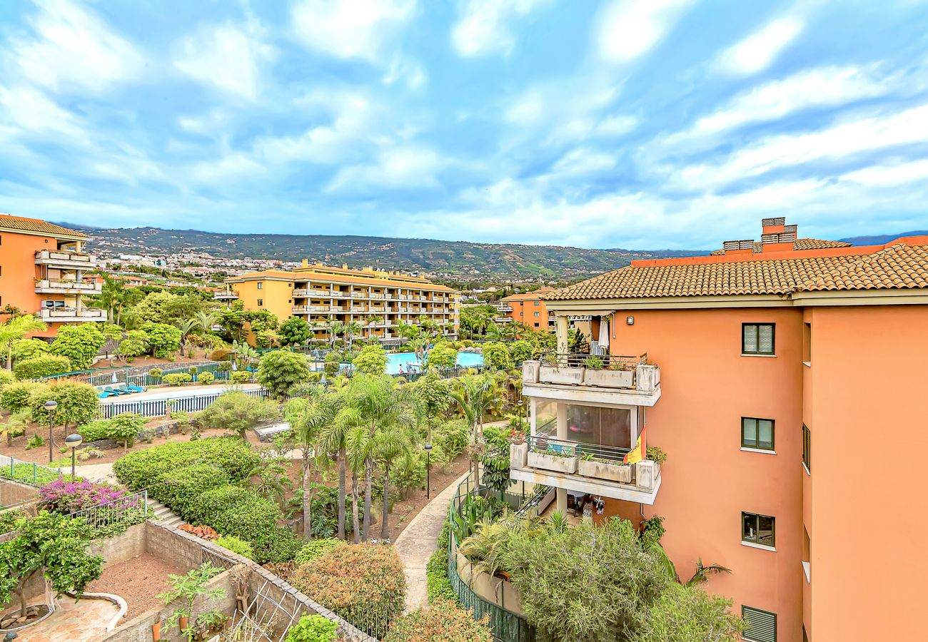 Apartment in Puerto de la Cruz - Bright Apartment with Teide & Downtown Views