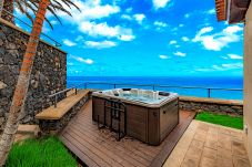 Villa in Tacoronte - Ocean View Villa with Jacuzzi, BBQ and...